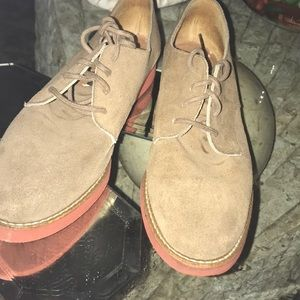 Comfortable stylish shoes in great condition.